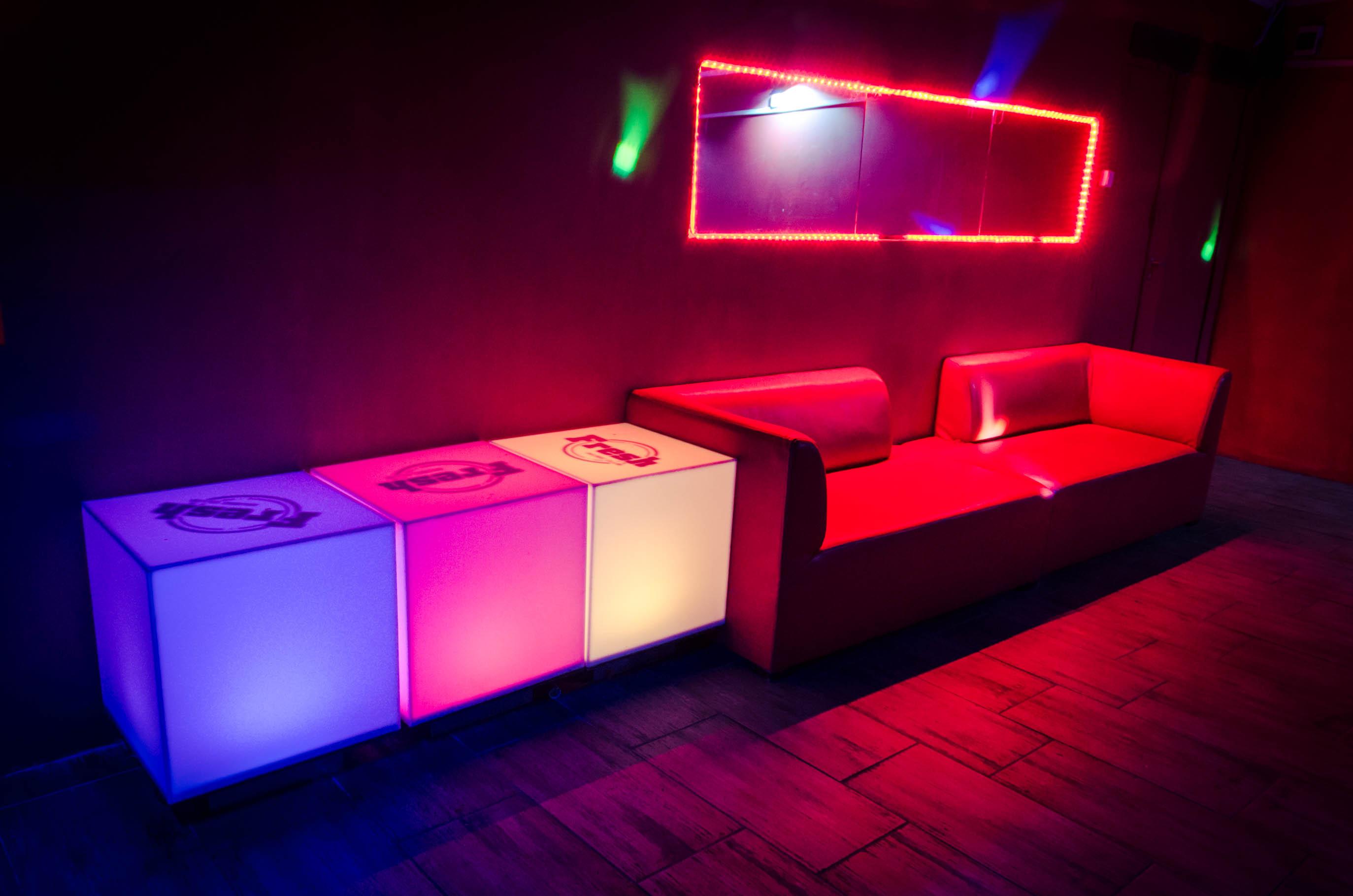 Super Domy na Imprezy - Wynajem domów / lokali / apartamentów na imprezy CX59