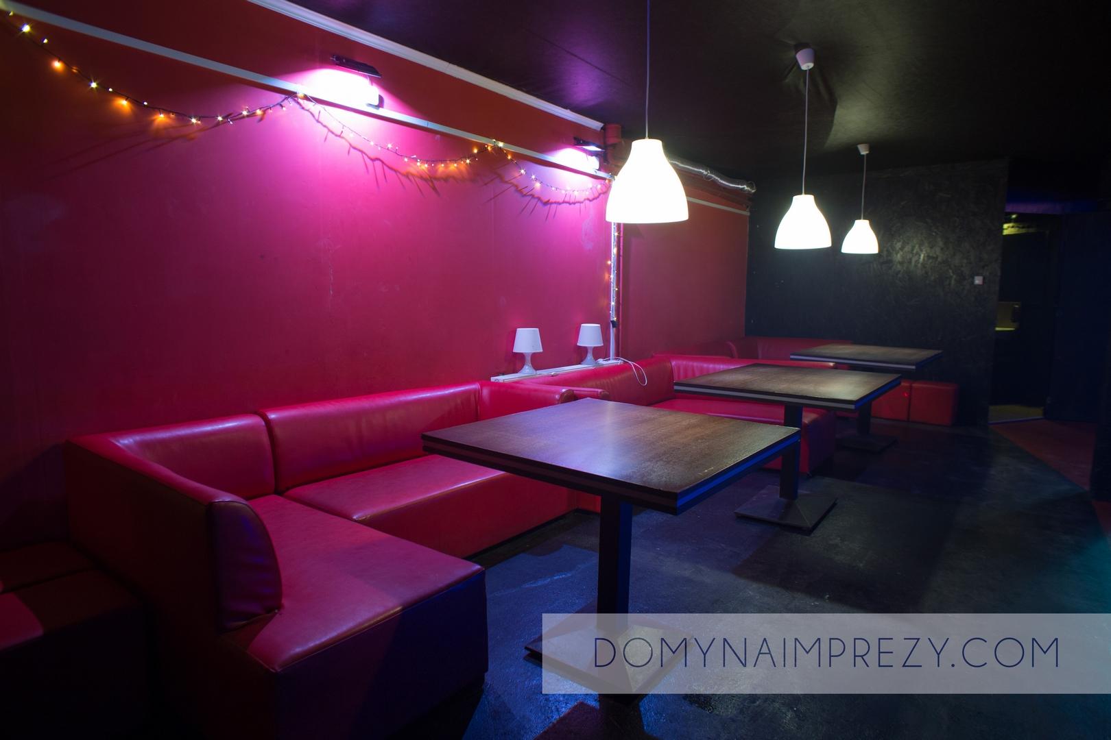 Oświetlone stoliki