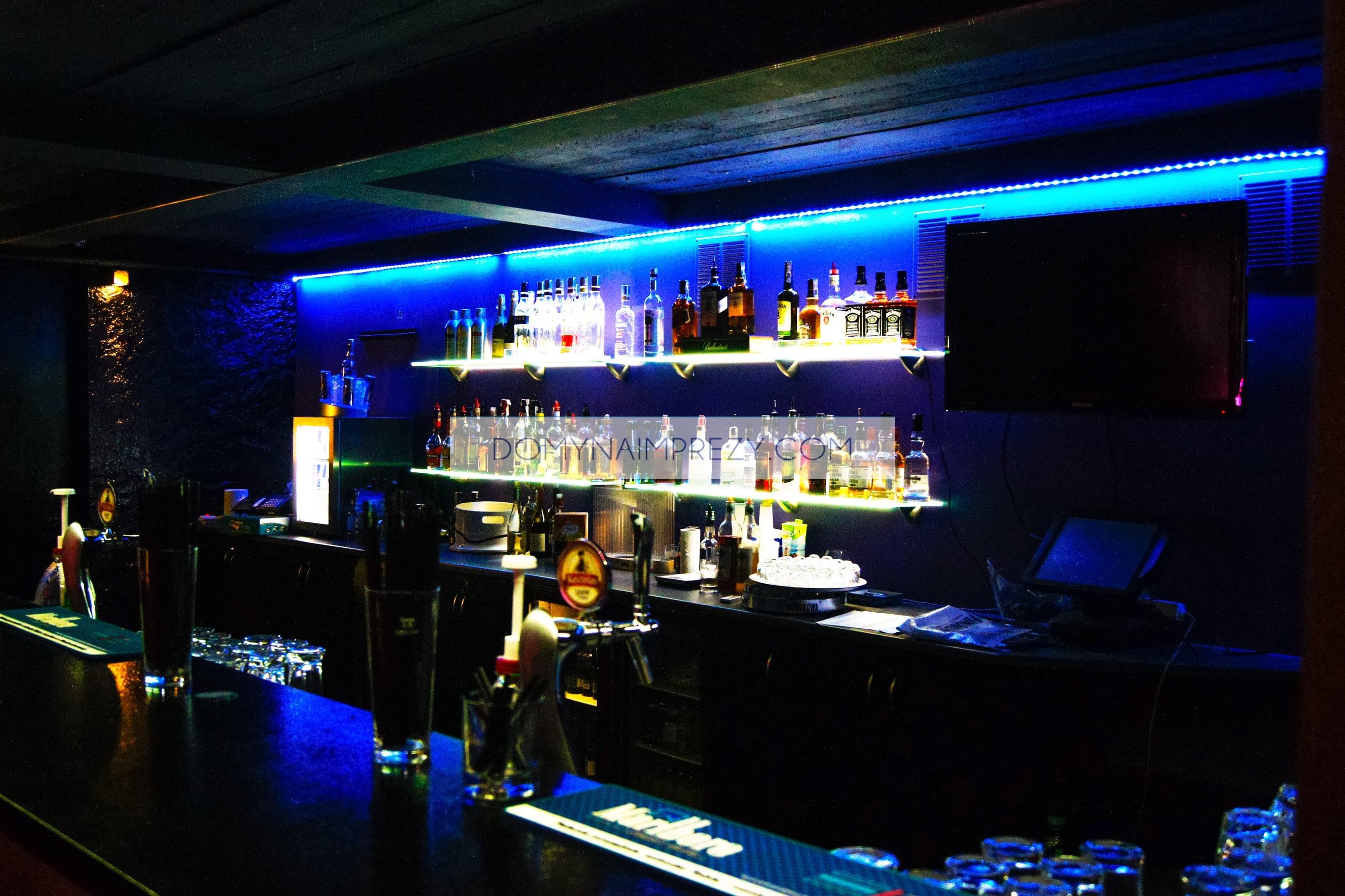 Bar w lokalu na wieczór kawalerski