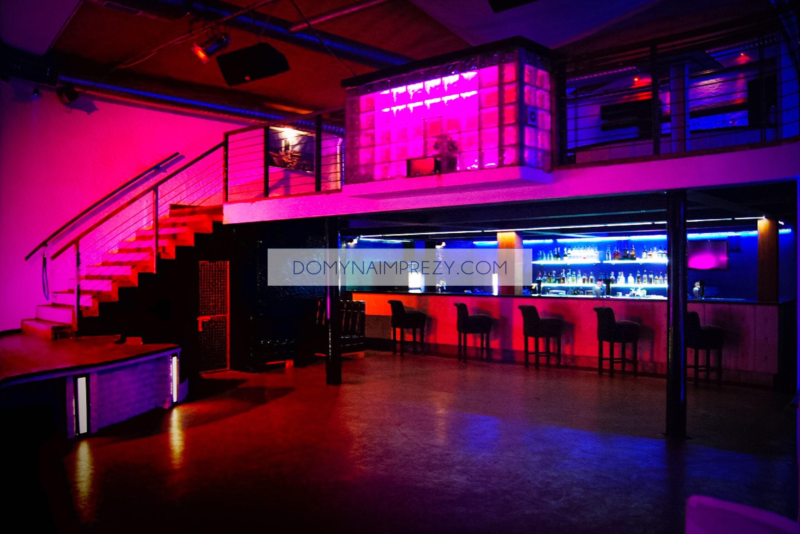 Plac Zawiszy klub