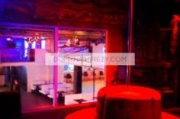 Widok na strefę VIP i lokal do wynajęcia